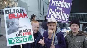 هناك أشخاص و مجموعات من كل أنحاء العالم تؤيد الشعب الفلسطيني