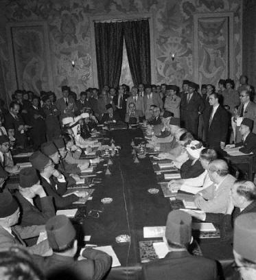 اجتماع للعرب - بلودان - دمشق - مساعدة القضية الفلسطينية - 1945