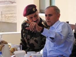جنرال أمريكي انتقل للعمل مع السلطة الفلسطينية بعد فوز حماس بالانتخابات